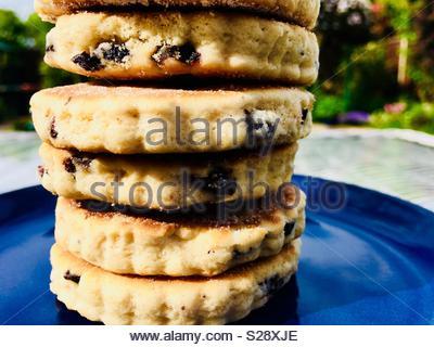 Stapel von walisischen Kuchen, der auch als bratpfanne Steine bekannt - Stockfoto