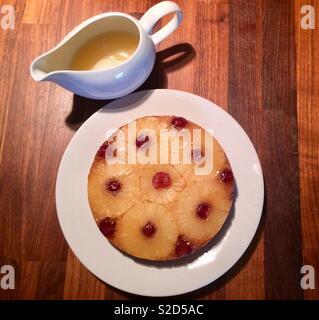 Pineapple Upside-down Kuchen - Stockfoto