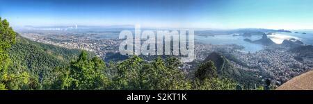 Panoramablick auf Rio de Janeiro von Corcovado. - Stockfoto