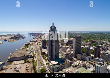 Die Innenstadt von Mobile, Alabama Riverside an einem schönen Frühlingstag - Stockfoto