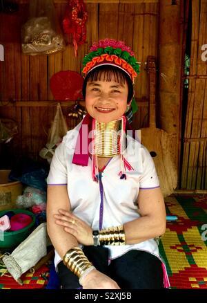 Eine Frau aus der Karen Hill Tribe von Thailand. - Stockfoto
