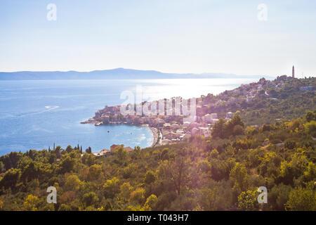 Igrane, Dalmatien, Kroatien, Europa - Überblick über die schöne Bucht von Igrane - Stockfoto