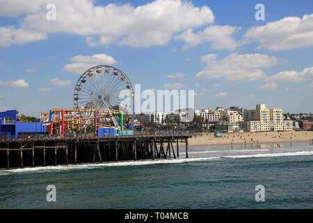 Santa Monica Pier, Pacific Park, Beach, Santa Monica, Los Angeles, Pazifischer Ozean, Kalifornien, USA - Stockfoto
