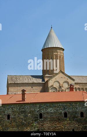 Fotos und Bilder von den Wänden und der mittelalterlichen Kathedrale Alaverdi St George & Klosteranlage, die aus dem 11. Jahrhundert, in der Nähe von Telavi, Georgien (Land). Bei 50 Mir - Stockfoto