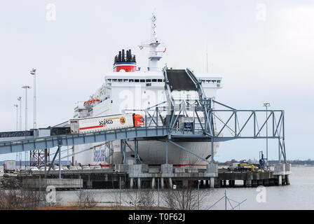 MS Stena Baltica, ro-pax Fähre von Stena Line, in Karlskrona in Schweden. 11. April 2008 © wojciech Strozyk/Alamy Stock Foto - Stockfoto