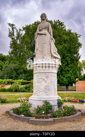 Alexandrine Monument im Schweriner Schloss Garten. Deutschland. - Stockfoto