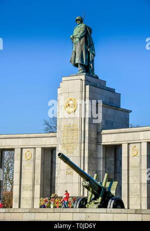 Sowjetische Denkmal, Straße des 17. Juni, Zoo, Berlin, Deutschland, Sowjetisches Ehrenmal, Straße des 17. Juni, Tiergarten, Deutschland - Stockfoto