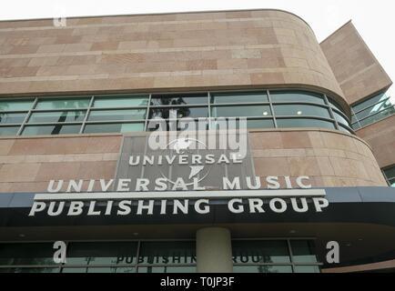 Los Angeles, Kalifornien, USA. 27 Feb, 2019. Universal Music Group Gebäude in Santa Monica. Credit: Ringo Chiu/ZUMA Draht/Alamy leben Nachrichten - Stockfoto