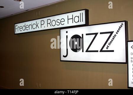 New York, NY, USA. 26 Okt, 2009. Atmosphäre am Montag, 26.Oktober 2009 YMCA Arts & Letters Auktion und Rezeption im Frederick S. Rose Hall, Jazz at Lincoln Center in New York, NY, USA. Quelle: Steve Mack/S.D. Mack Bilder/Alamy - Stockfoto