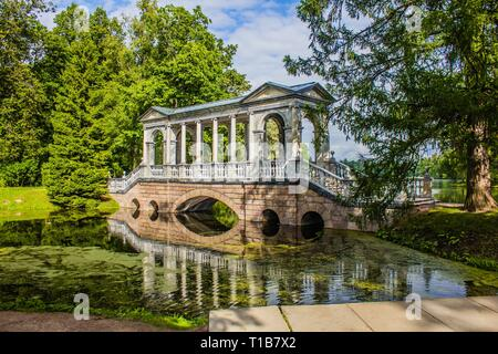 Marmor Brücke. Marmor Brücke in der Catherine Park in Puschkin. Russland, Puschkin, 28. August 2017 - Stockfoto