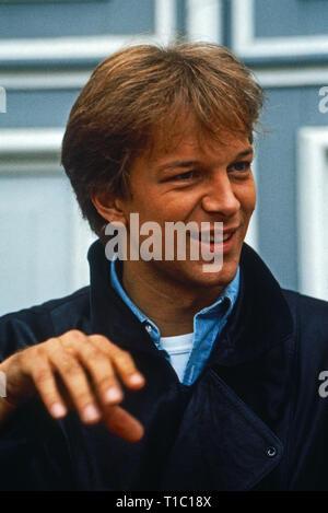 """Das Erbe der Guldenburgs, Fernsehserie, Deutschland 1986 - 1988, Folge: """"Kopf oder Zahl"""", Darsteller: Jochen Horst"""