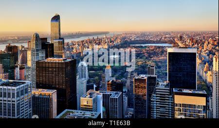 Der Central Park in New York bei Sonnenuntergang - Stockfoto