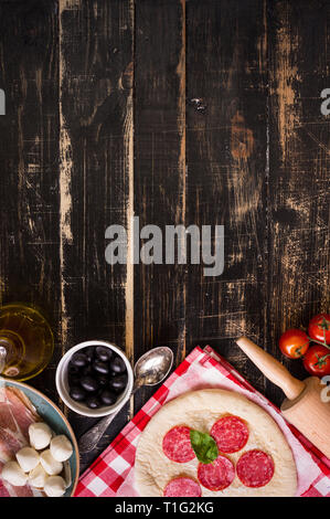 Pizza backen Hintergrund - Stockfoto