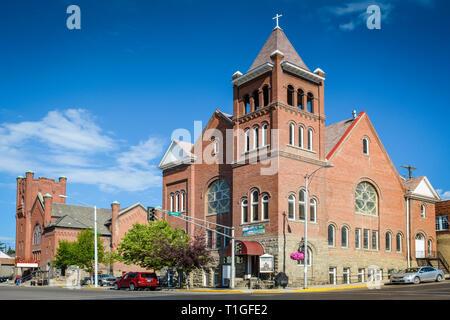 Die schöne, historische First Baptist Church an der Ecke Broadway und Montana Straßen in der alten Minenstadt Butte, MT, USA - Stockfoto