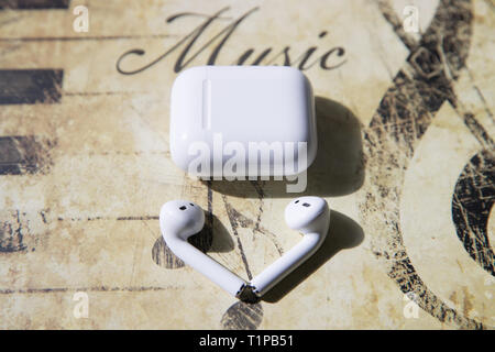 Lawrence County New Jersey, 30. März 2019: Apple AirPods