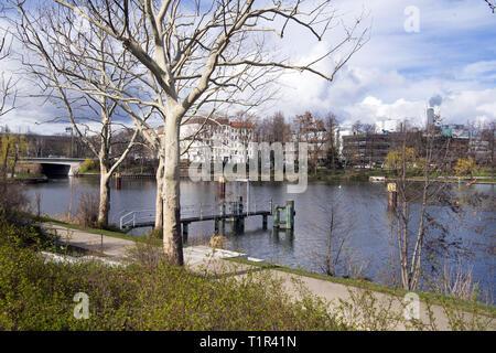 Berlin, Deutschland. 25 Mär, 2019. Der Park am nördlichen Hafen mit dem alten Schiffsanlegestelle. Credit: Soeren Stache/dpa-Zentralbild/ZB/dpa/Alamy leben Nachrichten - Stockfoto