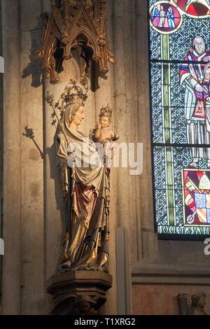 Bildende Kunst, religiöse Kunst, Madonna Statue im Kölner Dom, Artist's Urheberrecht nicht gelöscht werden - Stockfoto
