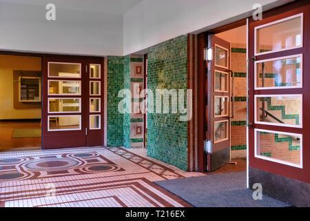 Flur, Eingangsbereich der Ehemaligen Jüdischen Mädchenschule in der Auguststraße. - Stockfoto