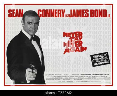 """James Bond Jahrgang Film Poster 1983 Sag niemals nie Sean Connery James Bond 007 in Sag niemals nie Film Poster James Bond """"M"""" (Edward Fox) der britische Geheimdienst spionieren. Gespenst Mitglied Fatima Bush (Barbara Carrera) Gespenst Spionage. Datum 15. Dezember 1983 Freigabe - Stockfoto"""