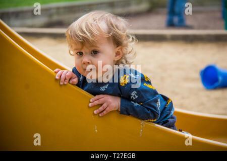 Mein Sohn spielen und Aufwachsen - Stockfoto