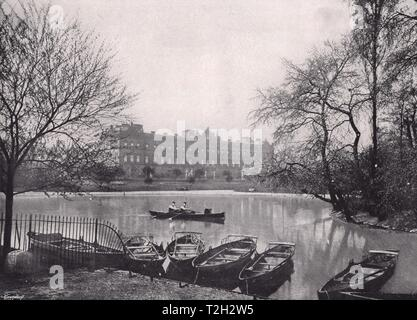 Buckingham Palace - von St. James's Park - Stockfoto