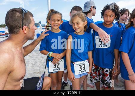 Miami Beach Florida Nautica South Beach Triathlon Atlantik Küste Sport Fitness Wettbewerb Kinderrennen laufen Mann Mädchen ch - Stockfoto