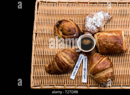 Auswahl an Gebäck, Croissants, Pain au Chocolat Pain Raisin - Stockfoto