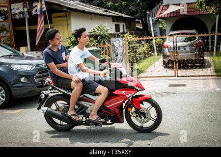 Frauen suchen männer craigslist malaysia