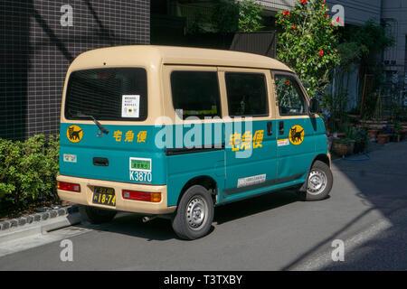 Ich habe diese coole Minivan auf einer meiner Wanderungen rund um weniger touristischen Gegend von Asakusa, Tokyo. - Stockfoto