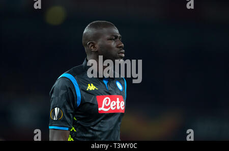 London, Großbritannien. 11 Apr, 2019. Koulibaly Kalidou von Neapel während der UEFA Europa League Spiel zwischen Arsenal und S.S.C Napoli im Emirates Stadium, London, England am 11. April 2019. Foto von Andy Rowland. Credit: PRiME Media Images/Alamy leben Nachrichten - Stockfoto
