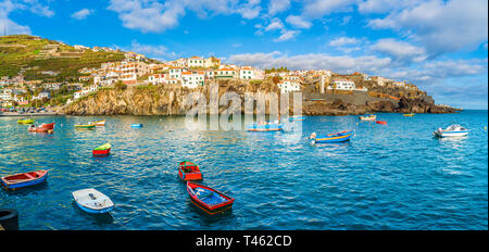 Camara de Lobos, Hafen- und Fischerdorf auf der Insel Madeira, Portugal - Stockfoto