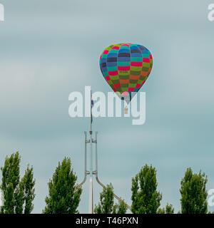 Canberra, Australien, 13. März 2019 im Heißluftballon über Capital Hill während der jährlichen Balloon Festival. - Stockfoto