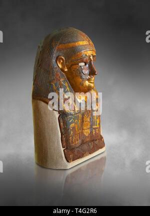 Ushabti. Ptolemäischen Dynastie der ägyptischen Textil & gold Mumie Maske, die verschiedene Götter, 306-30 BC. Neues Reiche Museum, Berlin. Katze kein AM 813 - Stockfoto