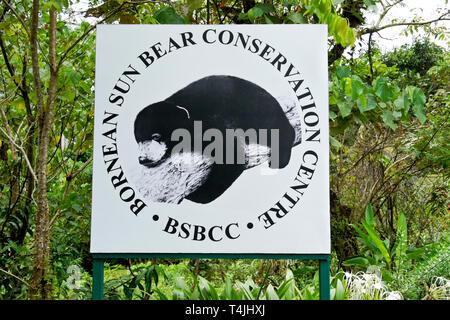 Schild am Eingang der Bornesischen Sun Bear Conservation Centre, Sandakan, Sabah (Borneo), Malaysia - Stockfoto