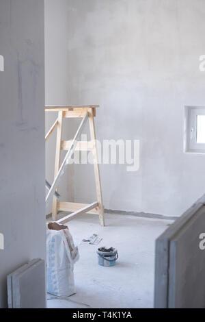 Allgemeine Ansicht der Reparatur in der Wohnung - Stockfoto