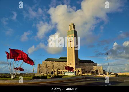 Die Moschee ist häufig auf die weltweit drittgrößte Moschee nach denen in Mekka und Medina gedacht und kann 25.000 Gläubigen Platz. Eine integrierte - Stockfoto