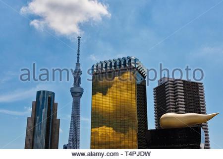 Tokyo Sky Tree, Asahi Beer Hall und Asahi Flame, Tokio, Japan - Stockfoto