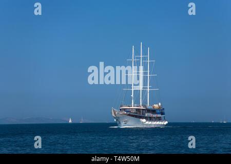 """Die kleinen Kreuzfahrtschiff """"Princeza Diana' in Murtersko mehr, Šibenik-Knin, Kroatien - Stockfoto"""