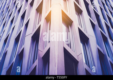 Ecke der modernen Fassade - Immobilien Konzept Stockfoto