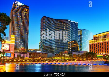 Las Vegas, Nevada, USA - 17. September 2018: die Hauptstraße von Las Vegas - ist der Streifen in den Abend wird. Casino, Hotel und Resort - Bellagio. - Stockfoto