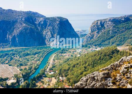 Omis, Kroatien, Europa - die schöne Landschaft rund um die Berge von Omis in Kroatien - Stockfoto