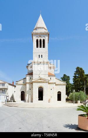 Pakostane, Kroatien, Europa - Schöne alte Kirchturm Architektur bei Pakostane - Stockfoto