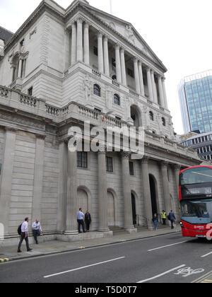 London, UK, 24. April 2019. Die Regierung hat das Einstellungsverfahren für einen neuen Gouverneur der Bank von England gestartet. Der derzeitige Gouverneur Mark Carney wird am 31. Januar 2020 nach mehr als sechs Jahren in der Post. - Stockfoto