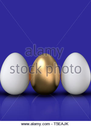 Goldene Ei in die Gruppe der regelmäßigen weiße Eier in einer Reihe angeordnet, stehend, auf bunten Hintergrund. Symbol der Führung, besonders, einzigartig, wertvoll. - Stockfoto