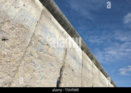 Berlin Deutschland - ein Abschnitt der Berliner Mauer mit Copyspace - Stockfoto