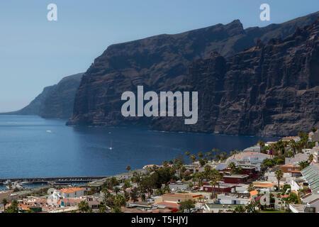 Klippe des Riesen in Santiago del Teide, Teneriffa, Kanarische Inseln, Spanien. - Stockfoto