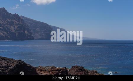 Cliff der Riesen vom Leuchtturm von Teno, Teneriffa, Kanarische Inseln, Spanien. - Stockfoto