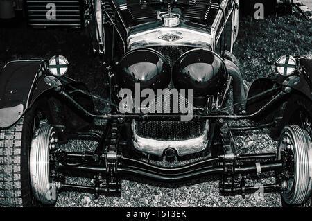 Ein 30er Frazer Nash Titel Auto auf der Goodwood Revival 2017 - Stockfoto