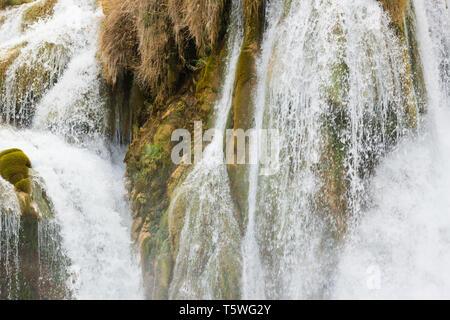 Krka, Sibenik, Kroatien, Europa - Gischt des Wasserfalls an der Krka - Stockfoto