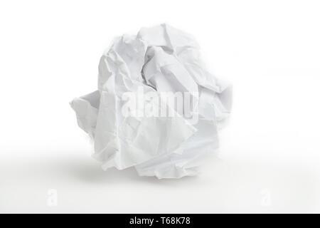 Nahaufnahme der zerknittertes Papierkugel - Stockfoto